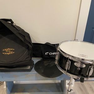 Snare drum set with stand and case